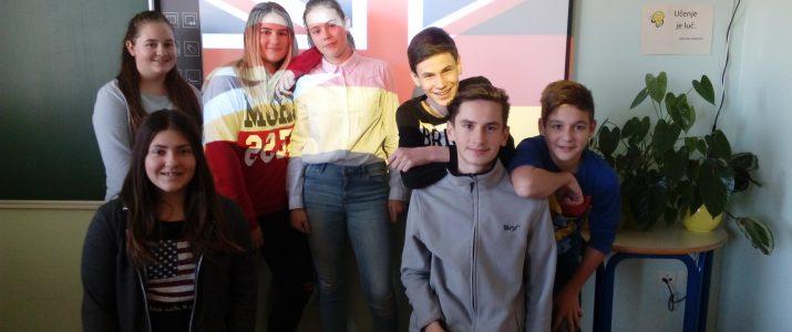 Spredaj: Nina, Jan Zadaj: Anika, Lorela, Eva, Beno, Blaž